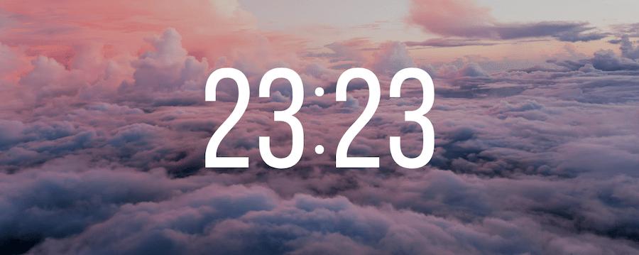 23h23
