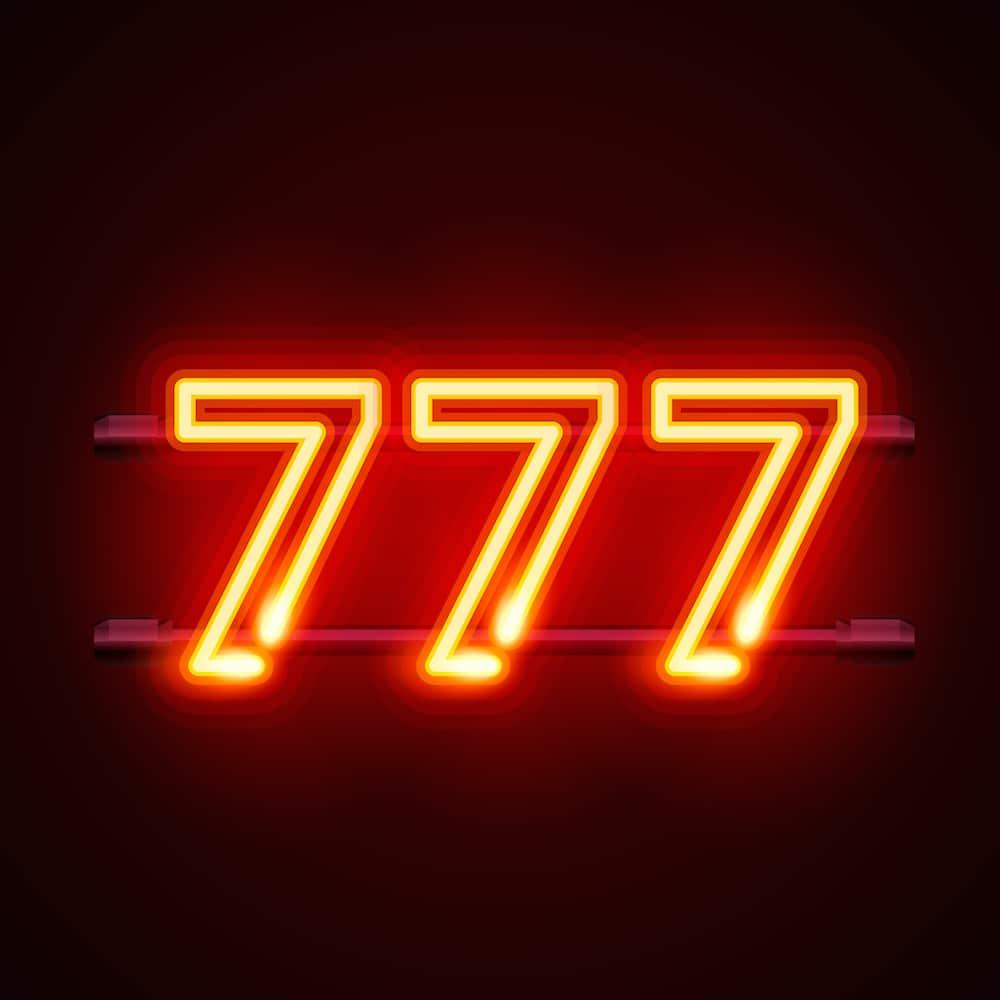 nombre 777 lumineux