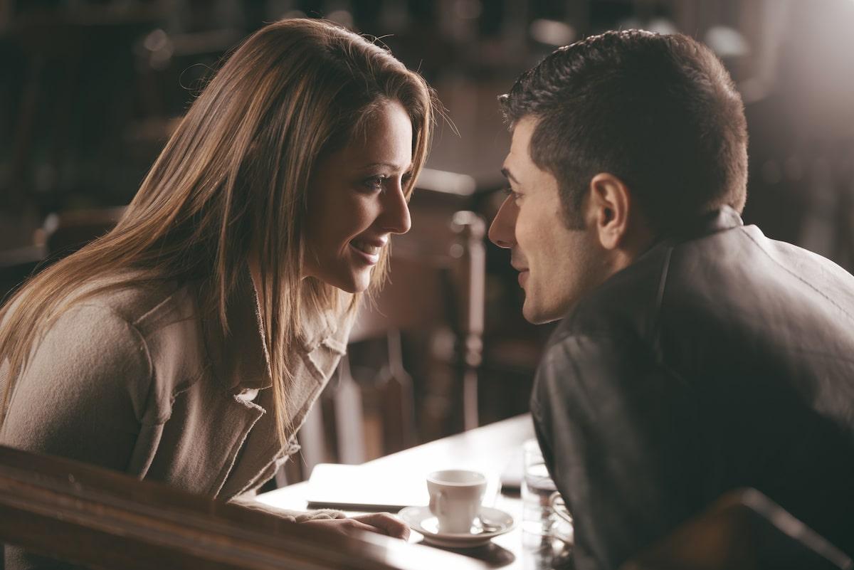 couple séducteur au restaurant