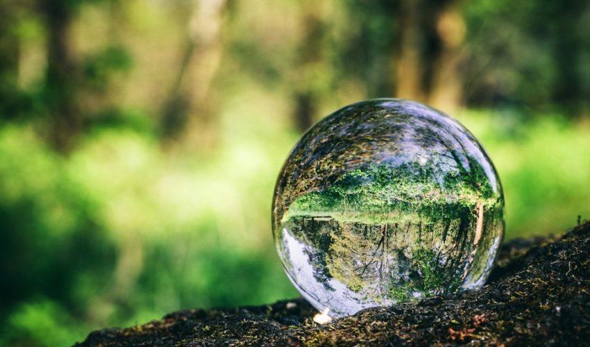 La Cristallomancie : L'art de lire l'avenir dans la boule de Cristal