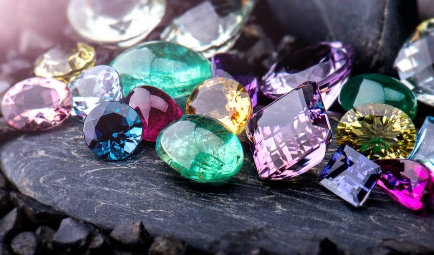 Les pierres associées à chaque signe astrologique
