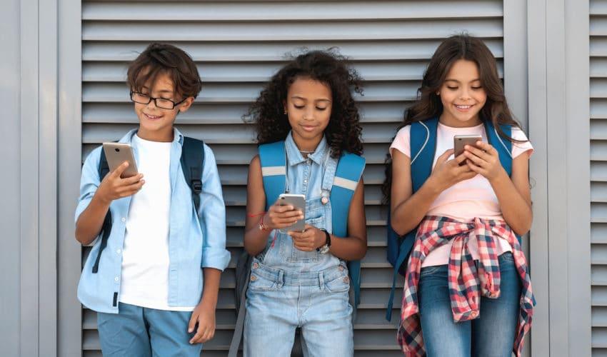 Ado : comment les faire déconnecter de leurs smartphones