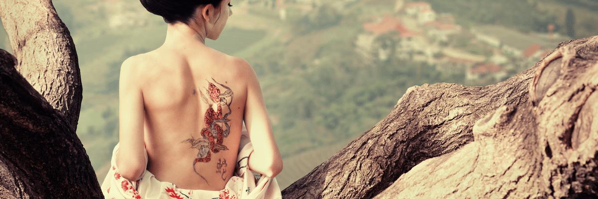 femme tatouage signe astrologique chinois
