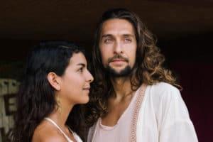 jeune couple improbable
