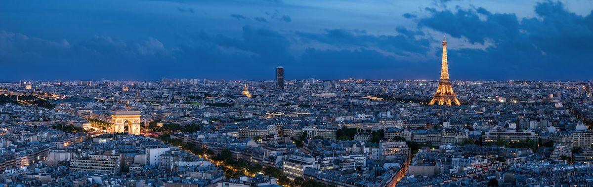 La Tour Eiffel à Paris, vue de nuit