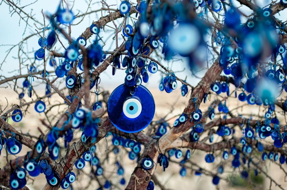 Nazar boncuk amulette contre le mauvais oeil