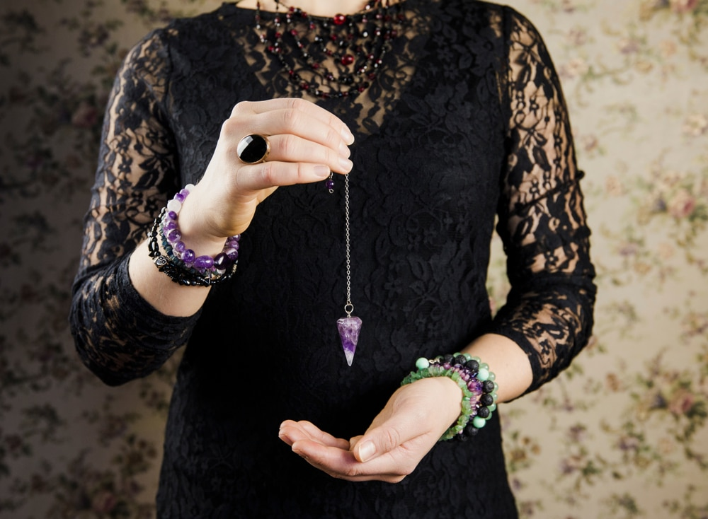 Pendule divinatoire